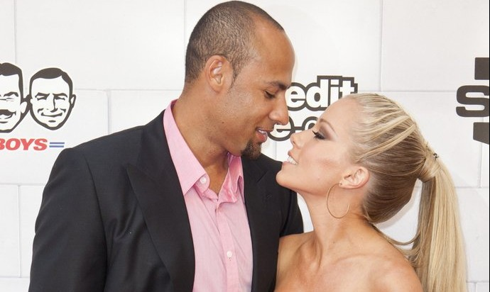 Cupid's Pulse Article: Thousands of Miles Between Hank Baskett and Kendra Wilkinson