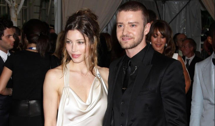 Cupid's Pulse Article: Justin Timberlake and Jessica Biel Show PDA at Dinner Party