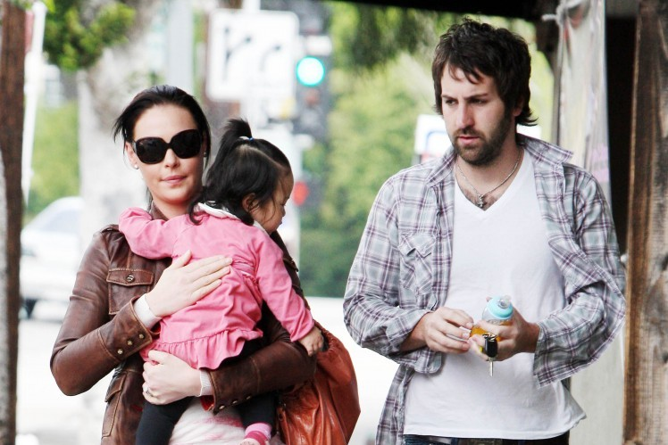 Cupid's Pulse Article: Katherine Heigl and Josh Kelley Step Out with Newly Adopted Daughter