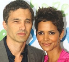 Halle Berry Walks First Red Carpet Since Celebrity Divorce Announcement
