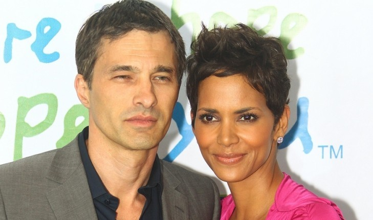 Cupid's Pulse Article: Halle Berry Walks First Red Carpet Since Celebrity Divorce Announcement
