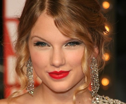 Cupid's Pulse Article: Taylor Swift Sends a Message to Harry Styles During Opening Performance at the Grammys