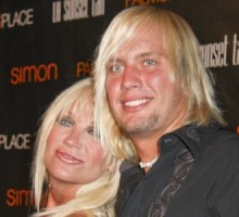 Linda Hogan To Marry Charlie Hill