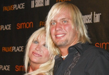 Cupid's Pulse Article: Linda Hogan To Marry Charlie Hill