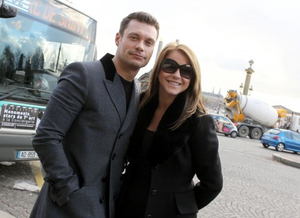 Cupid's Pulse Article: Ryan Seacrest and Julianne Hough's Romantic Paris Holiday