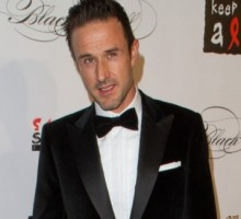 Smiling David Arquette Looks 'Relaxed and Cheerful' After Separation