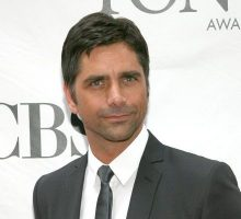 Celebrity Wedding: John Stamos & Pregnant Caitlin McHugh Tie the Knot