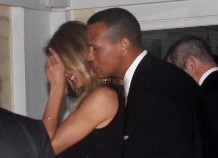 Cupid's Pulse Article: Cameron Diaz & A-Rod Keep Everyone Guessing