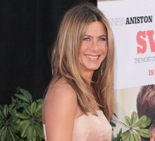 Jennifer Aniston Doesn't Understand Girls on 'The Bachelor'