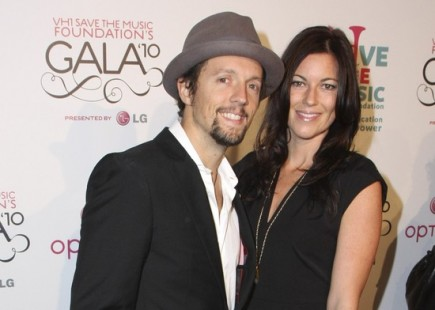 "Cupid's Pulse Article: Jason Mraz Discusses Why Fiancee Tristan Prettyman is ""The One"""