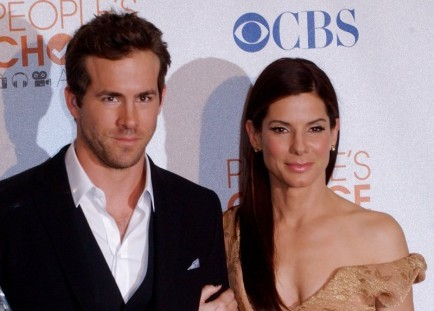Ryan Reynolds and Sandra Bullock. Photo: Albert L. Ortega / PR Photos