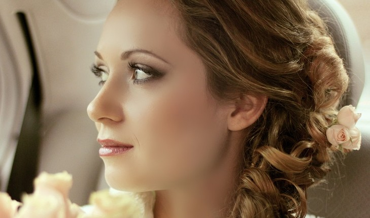 Cupid's Pulse Article: Beauty Tips: 5 Holiday Makeup Looks to Try