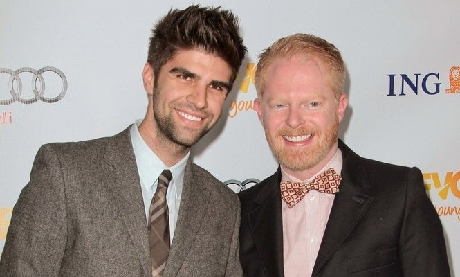 Cupid's Pulse Article: 'Modern Family' Star Jesse Tyler Ferguson 'Can't Believe' There's a Ring on His Finger