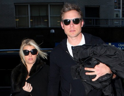 Cupid's Pulse Article: Jessica Simpson Holds Belly While on Walk with Eric Johnson