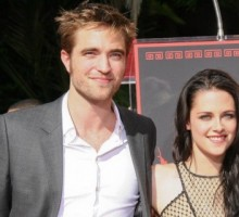 Celebrity News: Kristen Stewart Visits Taylor Swift Post-Breakup from Robert Pattinson