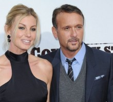 Celebrity Couple News: Faith Hill & Tim McGraw Share Steamy Kiss at AMC Awards