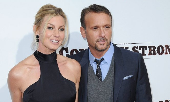 Cupid's Pulse Article: Celebrity Couple News: Faith Hill & Tim McGraw Share Steamy Kiss at AMC Awards