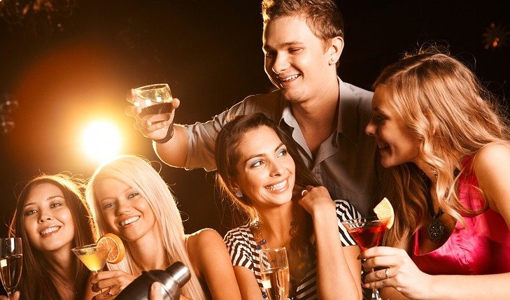 Cupid's Pulse Article: What Do the Drinking Habits of Singles Reveal?