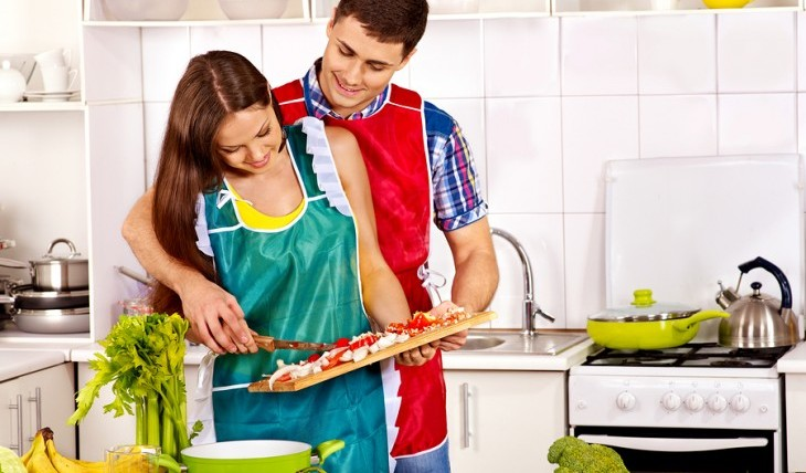 Cupid's Pulse Article: Love & Libations: Heat Up Your Relationship with a Date Night in the Kitchen