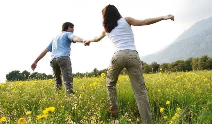 Cupid's Pulse Article: 5 Ways To Know If Your Relationship is More Than Just a Spring Fling