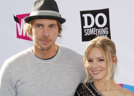 Cupid's Pulse Article: Dax Shepard Keeps Fiancee Kristen Bell Laughing