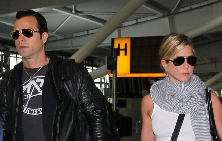 Cupid's Pulse Article: Jennifer Aniston and Justin Theroux Go High-End Furniture Shopping