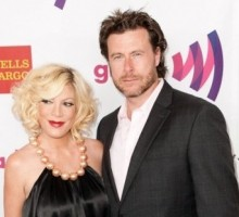Dean McDermott Dazzles Tori Spelling With Anniversary Ring
