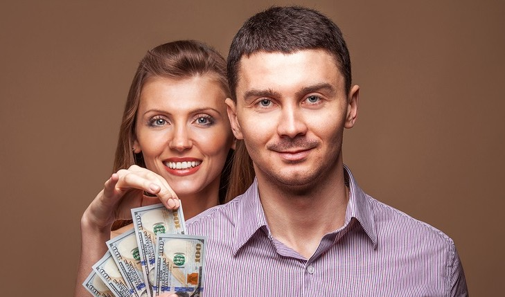 Managing finances in a relationship. Photo: RockandWasp / Bigstock.com