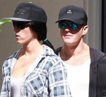 Ryan Phillippe Hangs With Pregnant Ex-Girlfriend