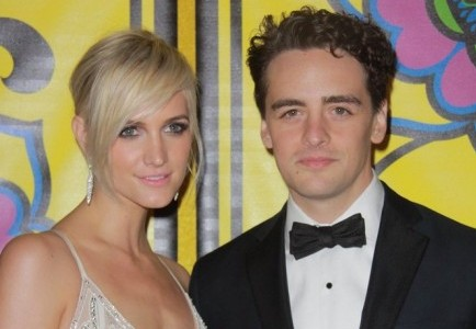 Cupid's Pulse Article: Ashlee Simpson and New Beau Vincent Piazza Pack on PDA