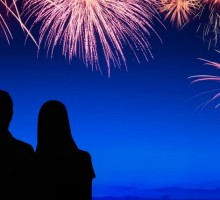 Have a Front Row Date Night to the Fireworks on a Circle-Line Cruise