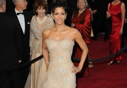 Cupid's Pulse Article: Halle Berry's Stalker Is Arrested