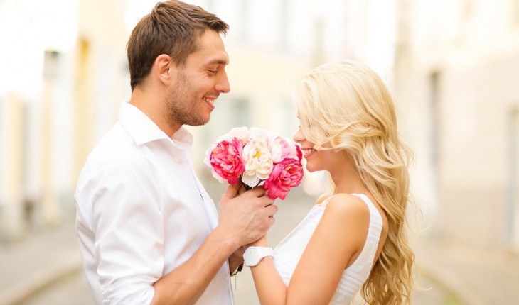 Cupid's Pulse Article: Should a Woman Propose to a Man?