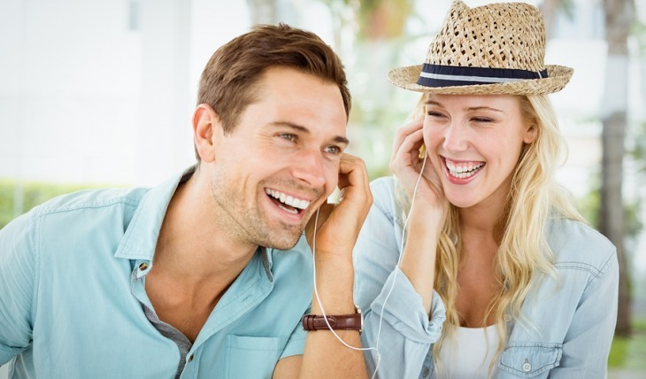 Cupid's Pulse Article: What Your Favorite Summer Song Says About Your Relationship Style