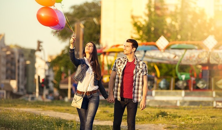 Cupid's Pulse Article: 10 Tips for Dating Your Friend's Sister