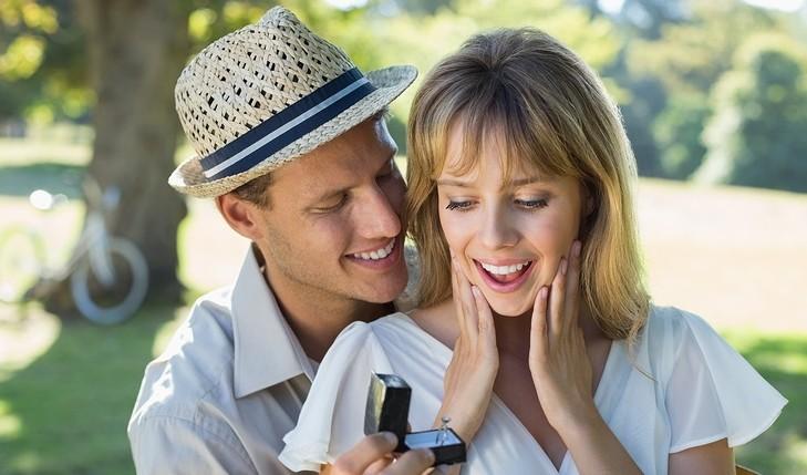 Cupid's Pulse Article: Top 5 Ways to Get Him to Propose By Labor Day