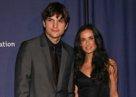 Cupid's Pulse Article: Ashton Kutcher and Demi Moore Are Spotted at Religious Services