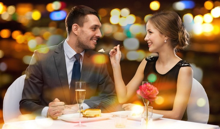 Cupid's Pulse Article: Weekend Date Idea: Don't Let Fall Cool Your Dates Down