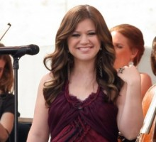 Kelly Clarkson Says She's 'Too Happy' With Her Boyfriend