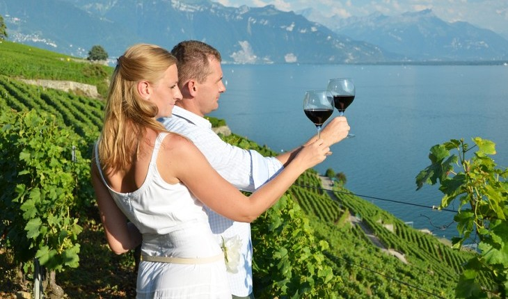 Cupid's Pulse Article: Relationship Advice: Wine Taste Your Way to An Intimate Date
