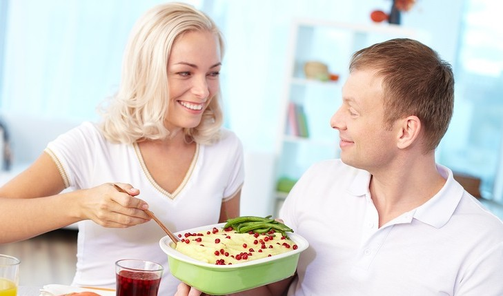 Cupid's Pulse Article: Don't Let Holiday Food Dictate How You Eat