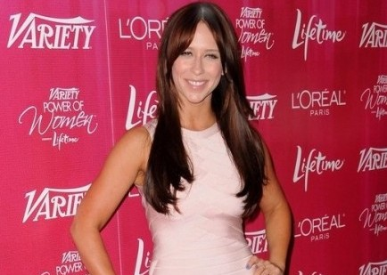 Cupid's Pulse Article: Jennifer Love Hewitt on a Diet During Holiday Season