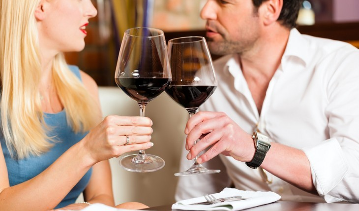 Cupid's Pulse Article: Weekend Date Idea: Pop the Cork!