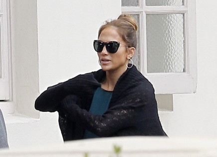 Cupid's Pulse Article: Jennifer Lopez Reportedly Brings Her New Man to 'Idol' Set