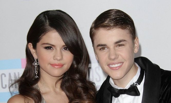 Cupid's Pulse Article: Justin Bieber and Selena Gomez Enjoy a Spooky Sunday
