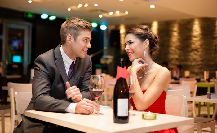 Cupid's Pulse Article: Five Conversations to Avoid on the First Date