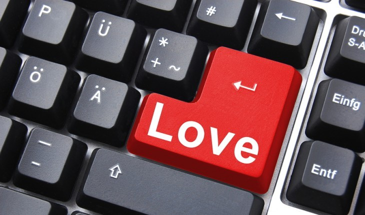 Cupid's Pulse Article: 7 Ways to Flirt In a Web 2.0 World