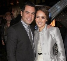 Jessica Alba and Cash Warren Sport Matching Nail Polish at NYC Fashion Week
