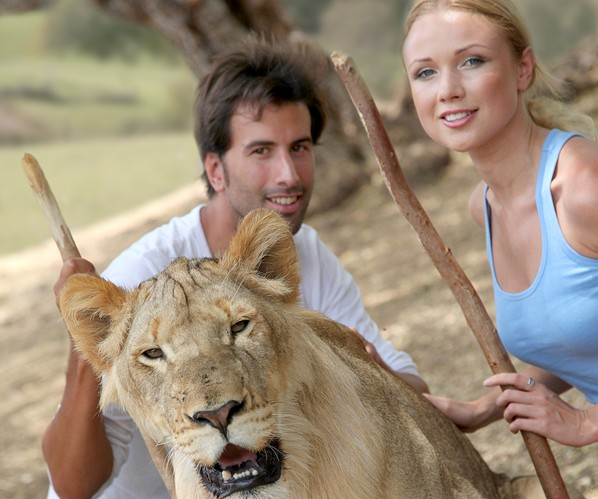Cupid's Pulse Article: Date Idea: Get Wild With a Day at the Zoo