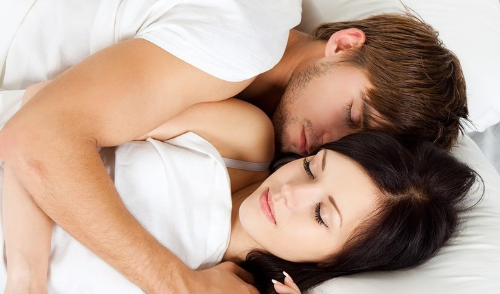 How to sleep peacefully with your partner. Photo: mast3r / Bigstock.com